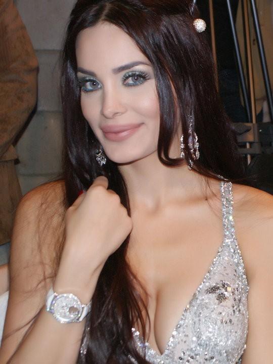 femme arabe du 33 veut se faire sodomiser par un gentil garçon