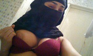 femme arabe du 45 veut se faire sodomiser par un gentil garçon
